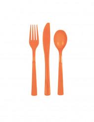 Cubiertos de plástico de color naranja