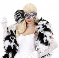 Máscara negra y blanca