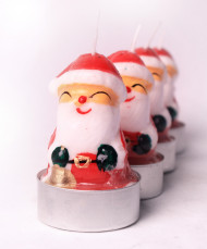 5 Velas pequeñas con forma de Papá Noel