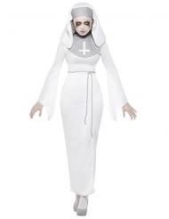 Disfraz religiosa poseída mujer