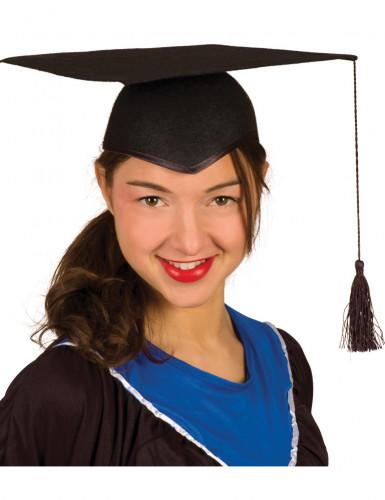 Birrete de estudiante universidad adulto