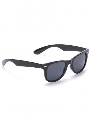 Gafas negras estilo años 50
